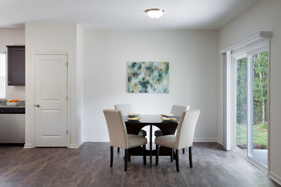 Starlight Homes Aurora Dining